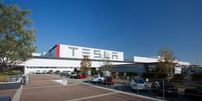 Report: Tesla Strikes Deal to Build Factory in China
