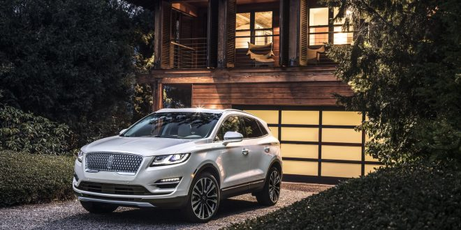2019 Lincoln MKC Bows With New Face