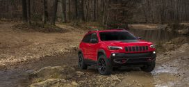2019 Jeep Cherokee Gets Fresh Face, Turbocharged Engine