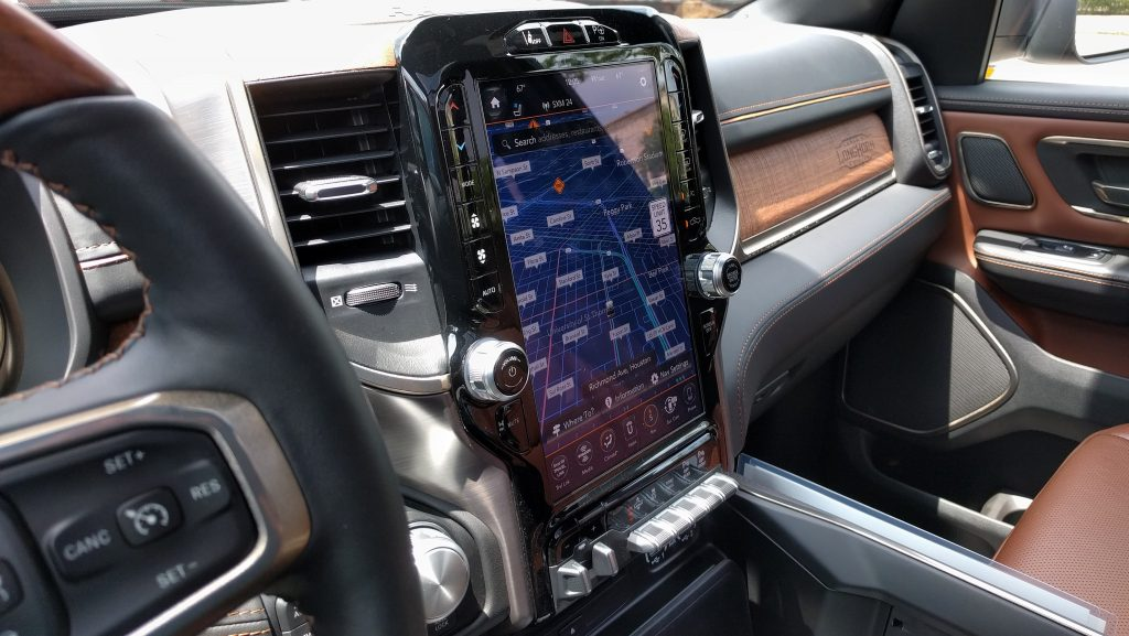 2019 Ram 1500 Limited 12-inch touchscreen