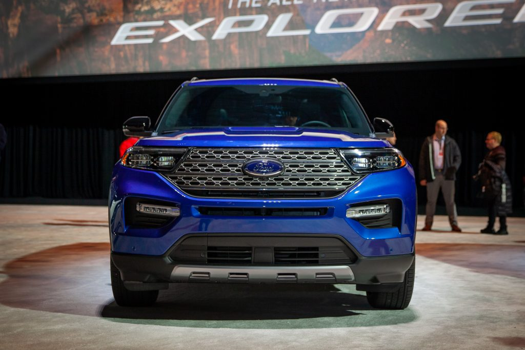 ford explorer debuts   naias autoverdict
