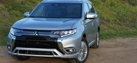 2019 Mitsubishi Outlander PHEV: All We Need is Plug