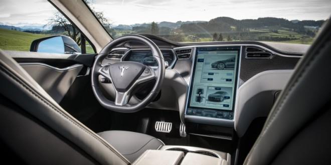 Tesla Model S, X to Receive Minimalist Interior Design