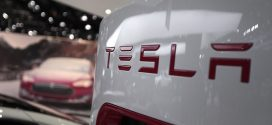 Bob Lutz: Tesla 'Going out of Business'