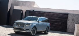 Lincoln Raises 2019 Navigator Price Tag