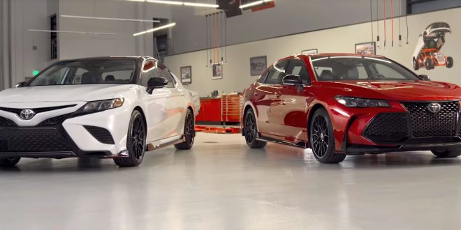 Toyota Shows Avalon, Camry TRD Models