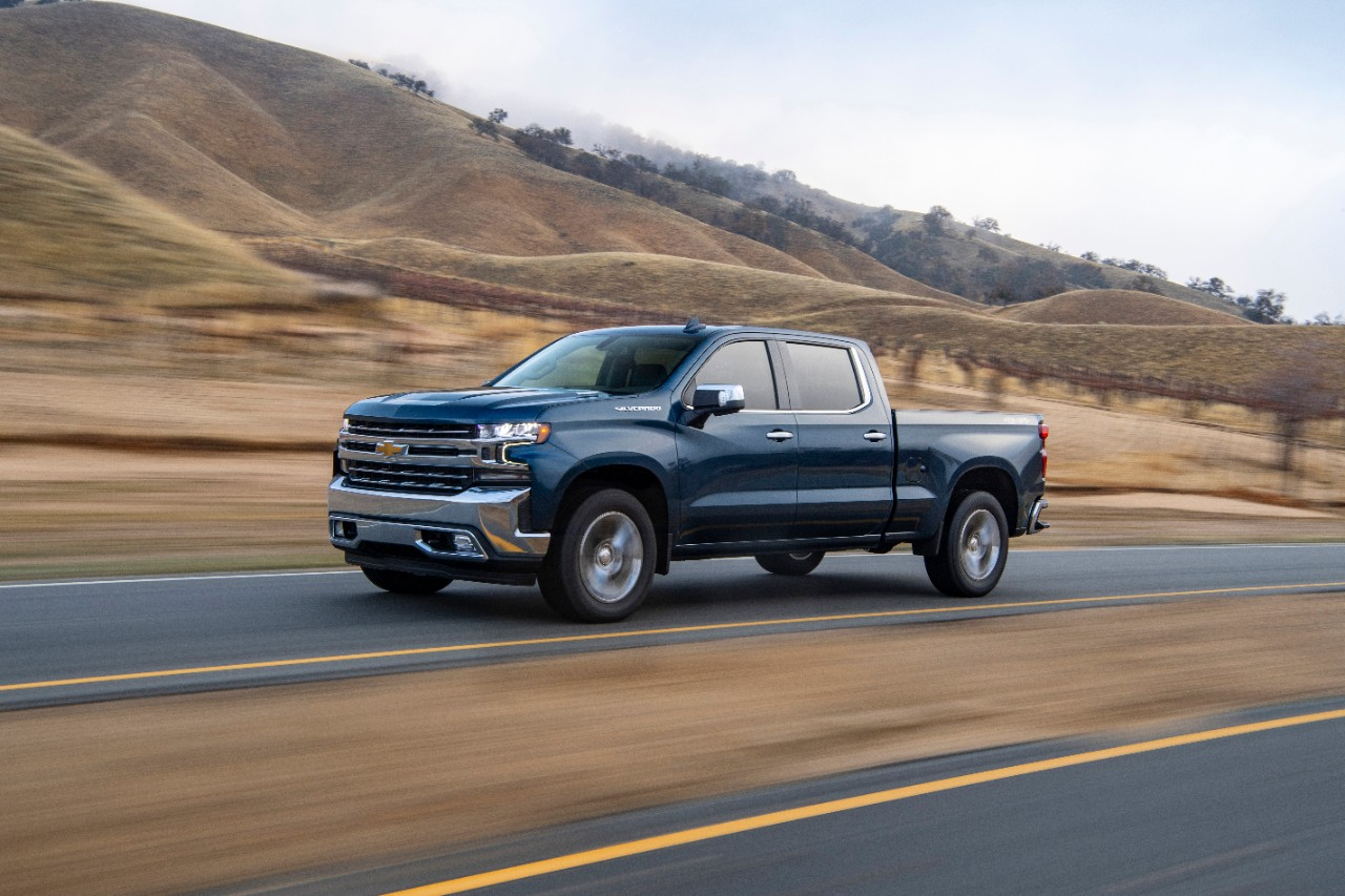 2020 Chevrolet Silverado Turbo-Diesel Detailed | AutoVerdict